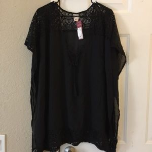 🆒 Woman's Black Swim Coverup Top. NWT 🆕